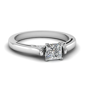Slope Edge 3/4 Carat Princess Cut Diamond Ring