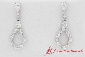 1.50 Carat pear diamond tear drop earring In White Gold