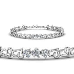 3 Heart Diamond Bracelet In 18K White Gold