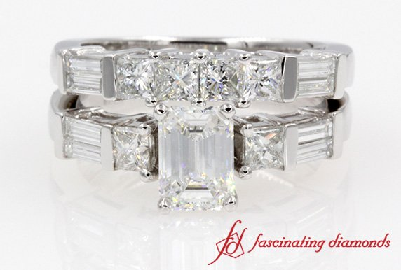 Extraordinary Emerald Cut Diamond Wedding Ring Set