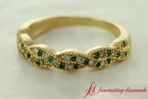 Milgrain Emerald Twisted Band