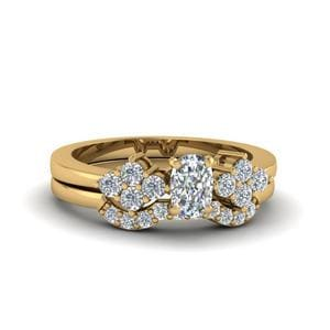 Cushion Cut Cluster Diamond Bridal Set For Women In 14K Yellow Gold