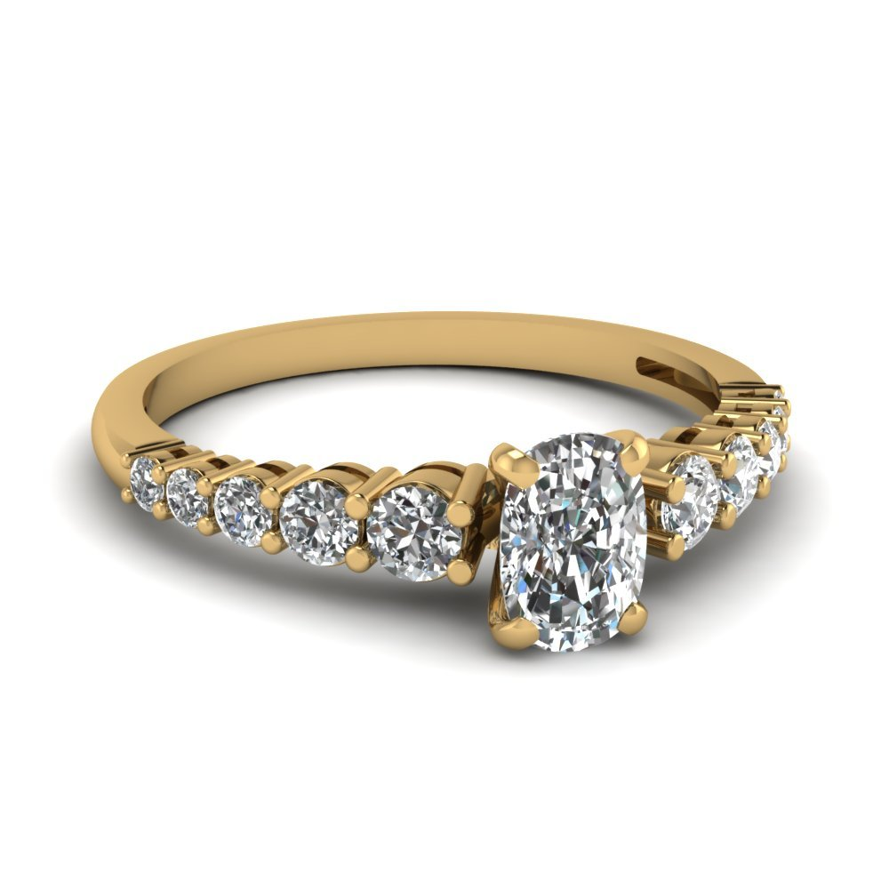 Graduated Cushion Diamond Ring