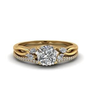 Cushion Cut Twisted Diamond Bridal Set In 14K Yellow Gold