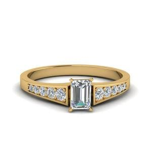 Graduated Pave Accent Diamond Ring