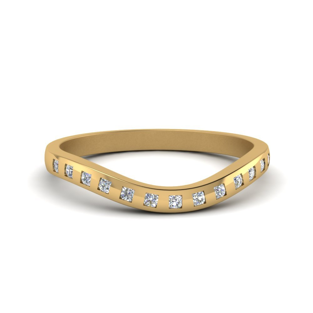 Flush Diamond Curved Band In 18K Yellow Gold