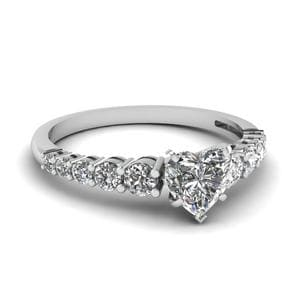 Graduated Diamond Ring
