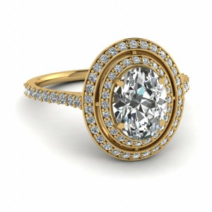 Oval Halo Diamond Ring For Mom In 14K Yellow Gold