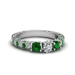 Vintage Style 3 Stone Oval Diamond Engagement Ring With Emerald In 950 Platinum