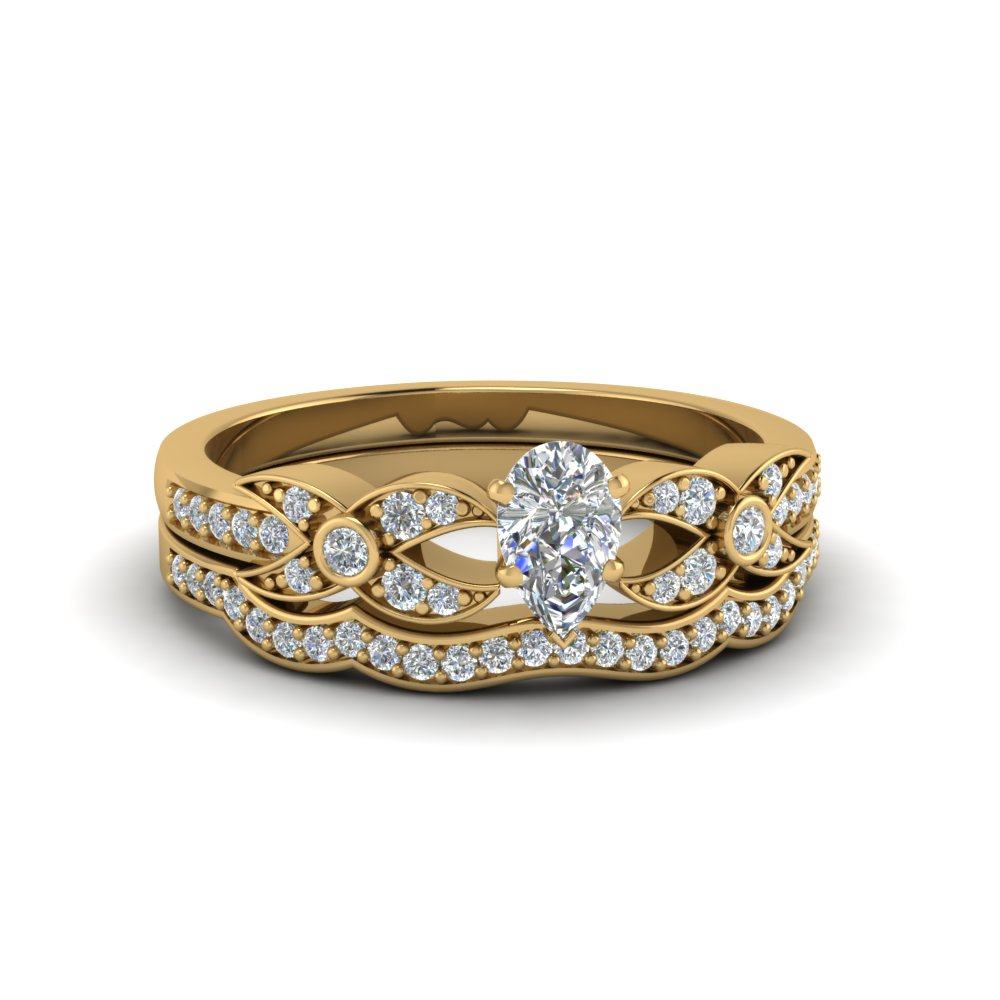 Pear Shaped Yellow Gold Wedding Set