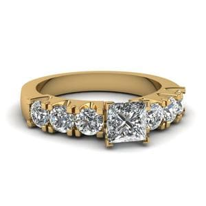 Princess Cut 7 Stone Shared Prong Diamond Engagement Ring In 18K Yellow Gold