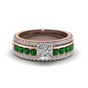 Emerald Ring With Diamond Bands