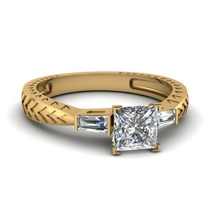 Tapered Vintage 3 Stone Princess Cut Engagement Ring In 14K Yellow Gold