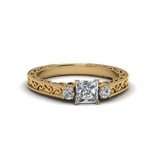 Princess Cut Vintage Style 3 Stone Diamond Engagement Ring In 18K Yellow Gold
