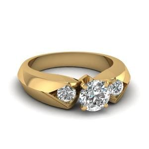 Round Cut Knife Edge 3 Stone Engagement Ring In 14K Yellow Gold