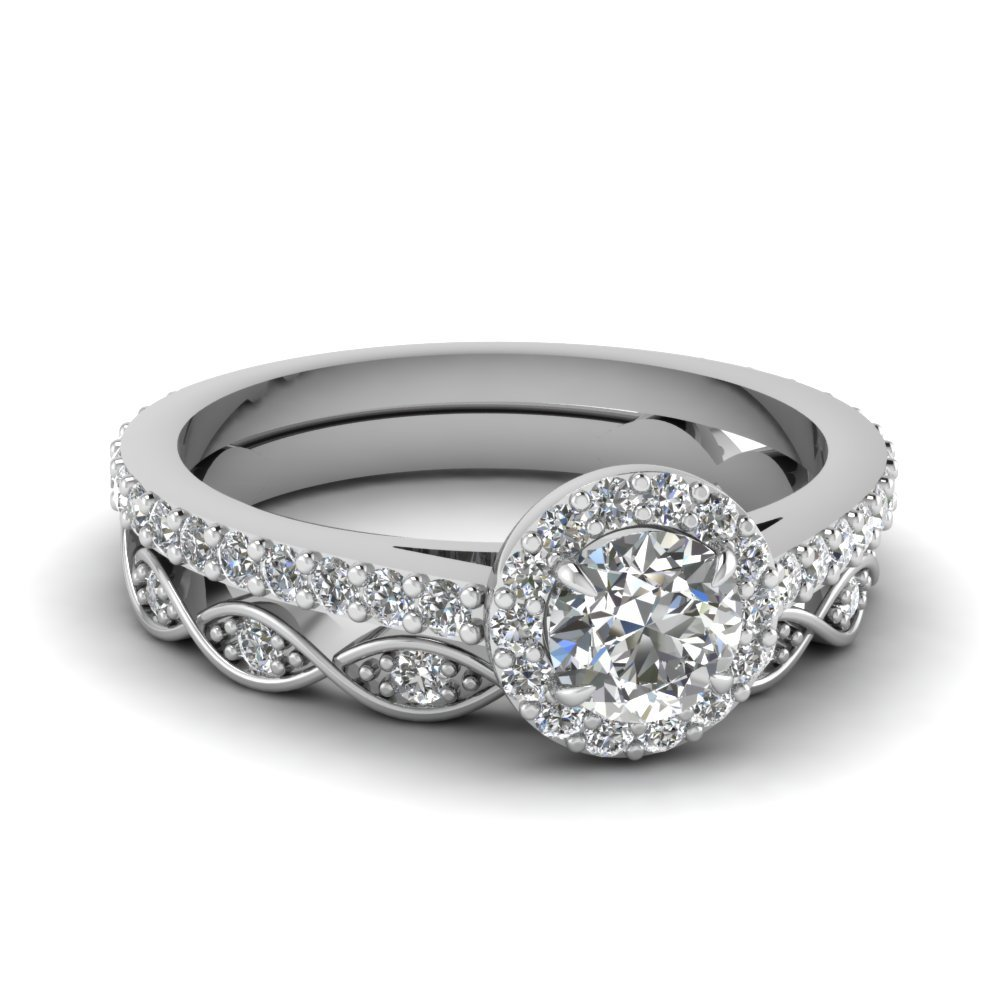 Round Diamond Wedding Ring Set
