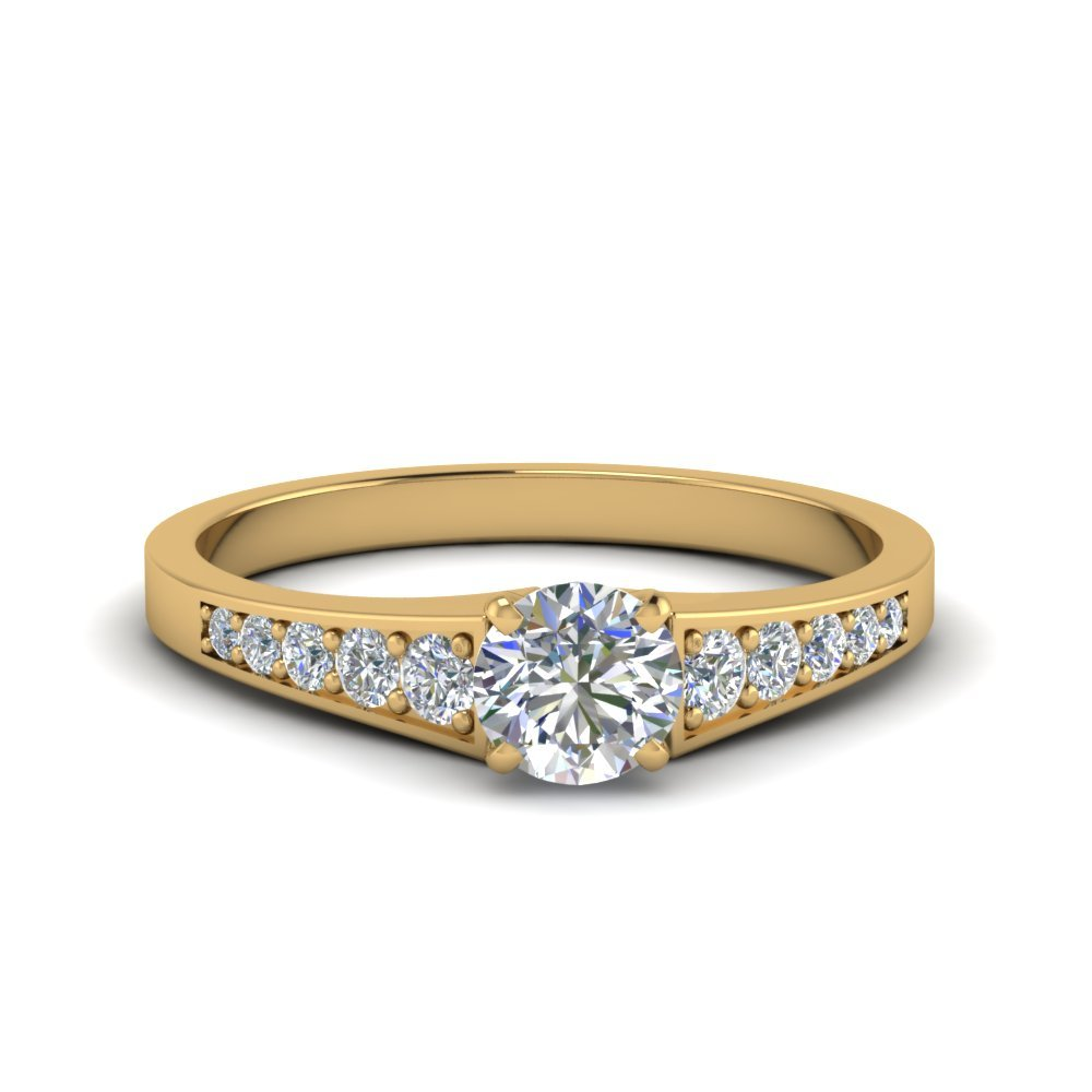 Graduated Round Petite Diamond Ring