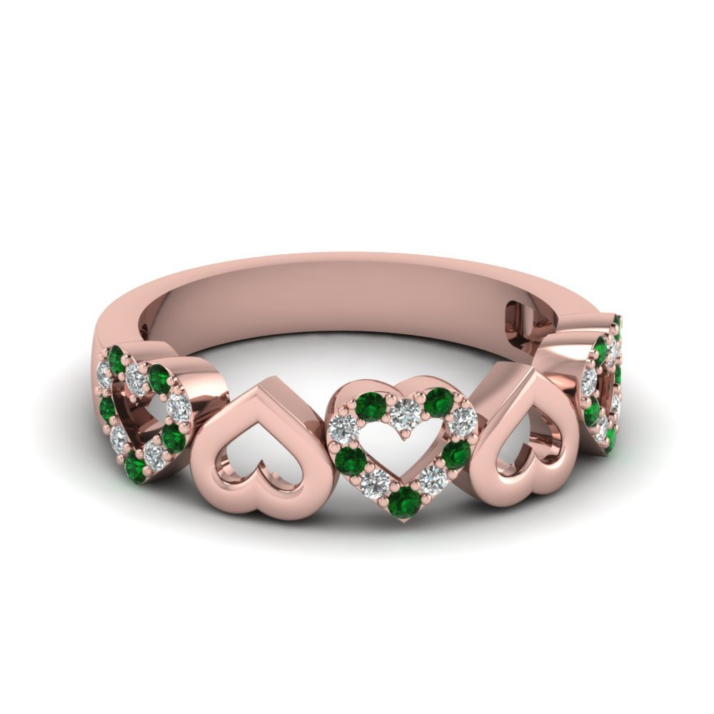Heart Design Diamond Wedding Band With Emerald In 18K Rose Gold