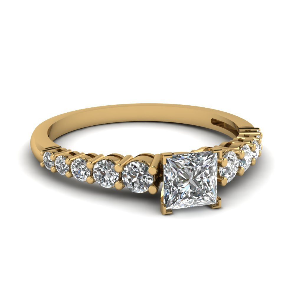Square Graduated Diamond Mother Ring In 14K Yellow Gold