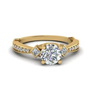 Tapered Diamond 3 Stone Engagement Ring In 14K Yellow Gold