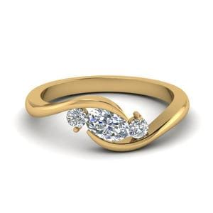 Twist 3 Stone Engagement Ring In 18K Yellow Gold