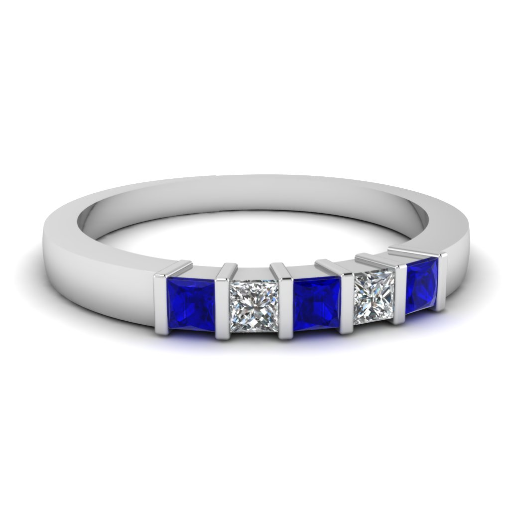 Top New Trends Of Anniversary Gifts At Fascinating Diamonds