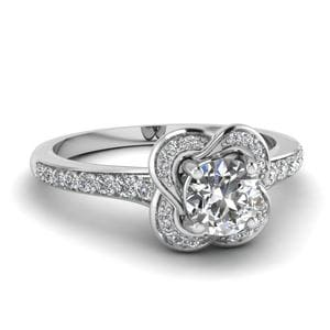 Petal Petite Diamond Ring