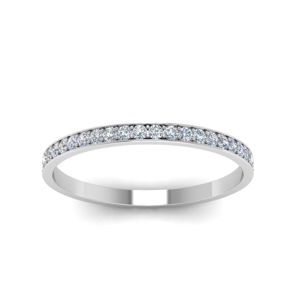 Delicate round Diamond Band