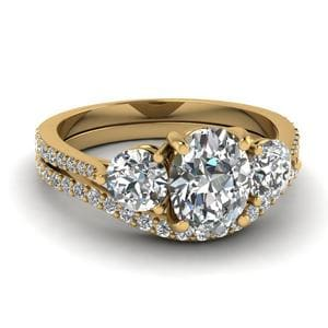 Petite 3 Stone Wedding Ring Set
