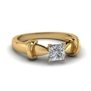 Princess Cut Antique Tapered Solitaire Engagement Ring In 14K Yellow Gold