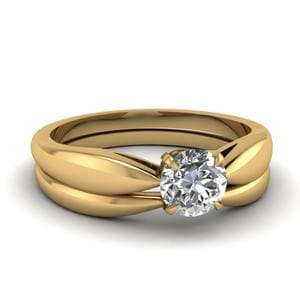 Tapered Bow Solitaire Wedding Ring Set In 14K Yellow Gold