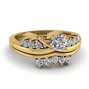 Modern Round Diamond Wedding Ring Set In 18K Yellow Gold