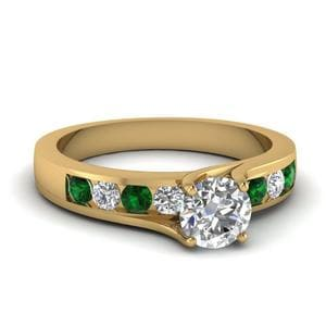 Twist Prong Channel Set Diamond Ring With Emerald In 14K Yellow Gold