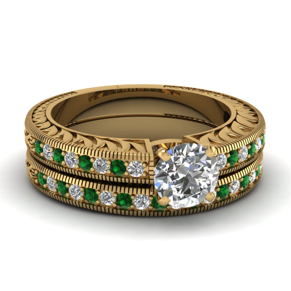 Hand Engraved Round Cut Vintage Wedding Ring Set With Emerald In 14K Yellow Gold